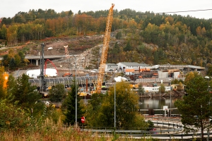 Store maskiner og kraner er i gang med den Nye E18, Foto: Reidar Nordkveldemoen