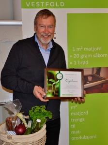 Svend Aage Petersen fra Barkåker i Tønsberg kommune er tildelt «Årets matjordpris 2015»