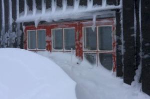 Vinterstenge hytte